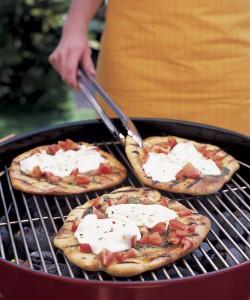 pizza grilled pesto mozza