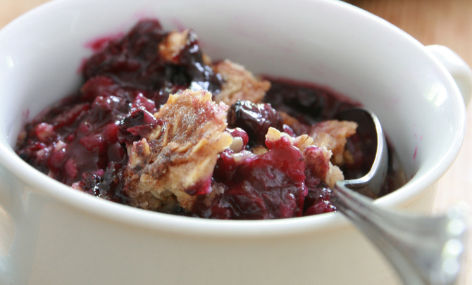 blueberry-cobbler-with-oatmeal-topping