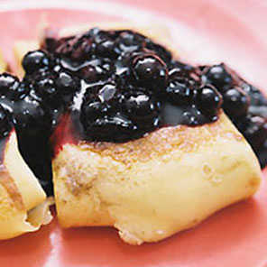 blintzes cheese blueberry sauce