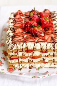 cake icebox strawberry