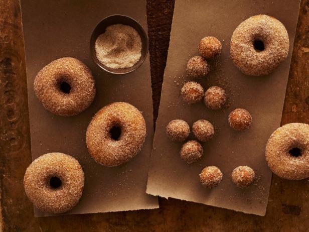doughnuts sugar spice
